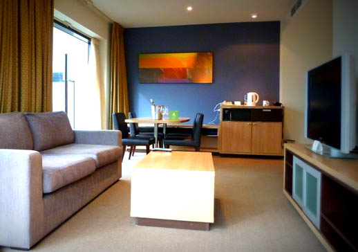 Holiday Inn Melbourne, King Suite