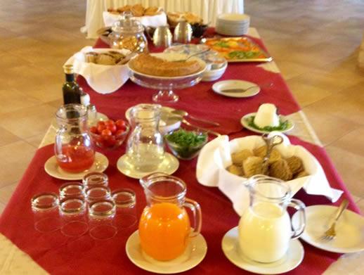 eating in puglia breakfast 2