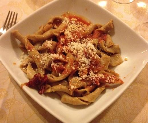 eating in puglia pasta sagna