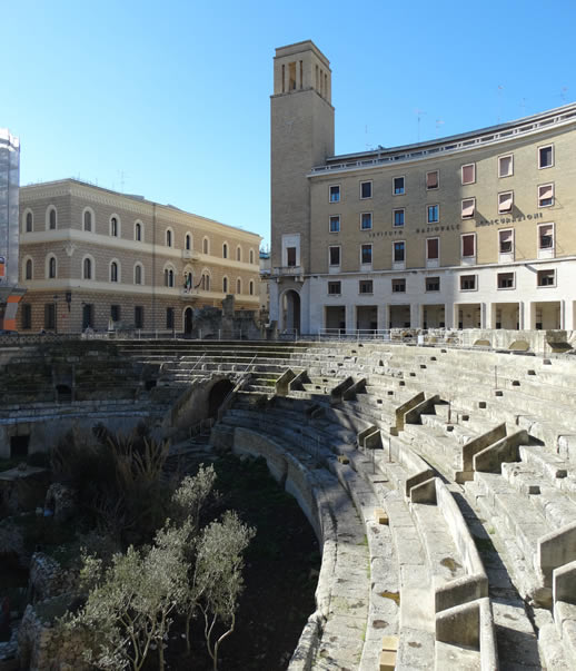 lecce roman ruins
