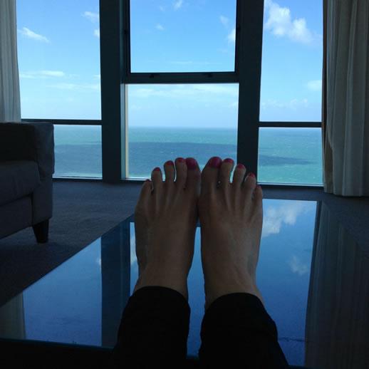 mantra sun city feet up