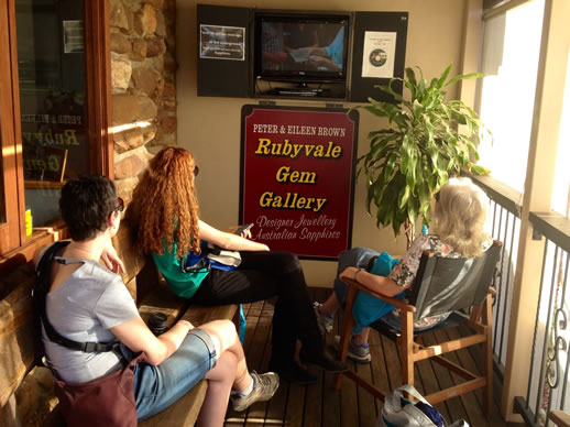 rubyvale gem gallery and cafe video