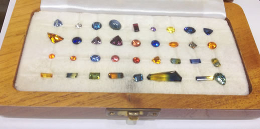 rubyvale rainbow sapphires