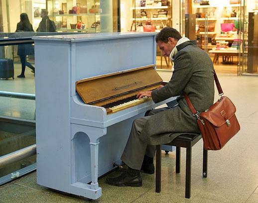 eurostar st pancras piano