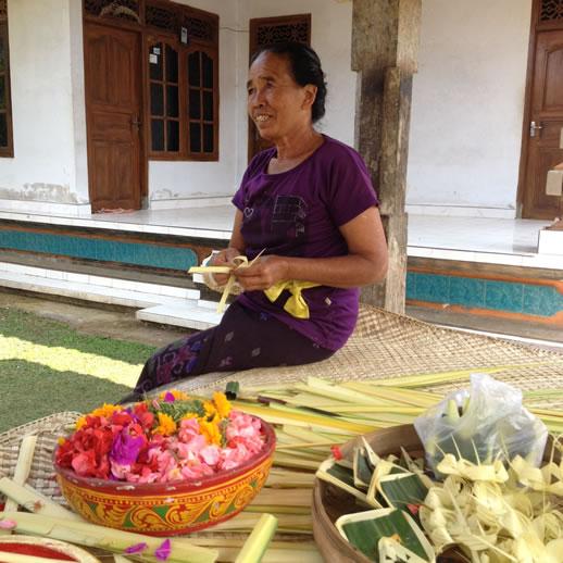 rumah desa granny offerings