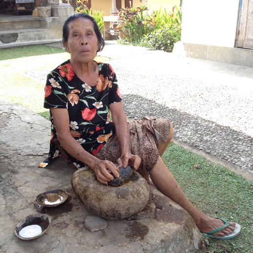 rumah desa granny treatment