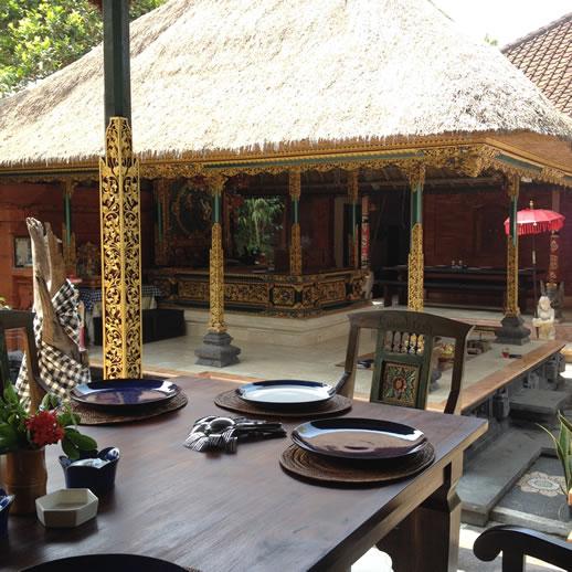 rumah desa lunch table