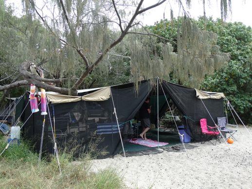rainbow-beach-camping-3