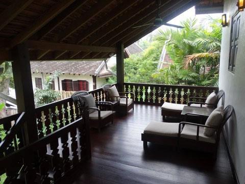 3-nagas-balcony-luang-prabang