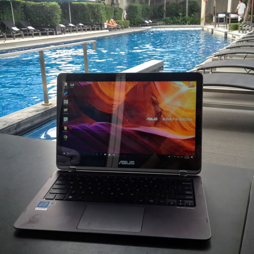 Laptop Review: Asus ZenBook Flip on the Road - GET In the