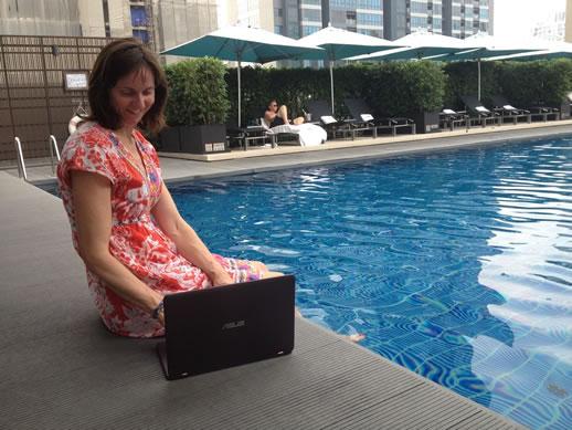 asus-zenbook-flip-poolside-with-me